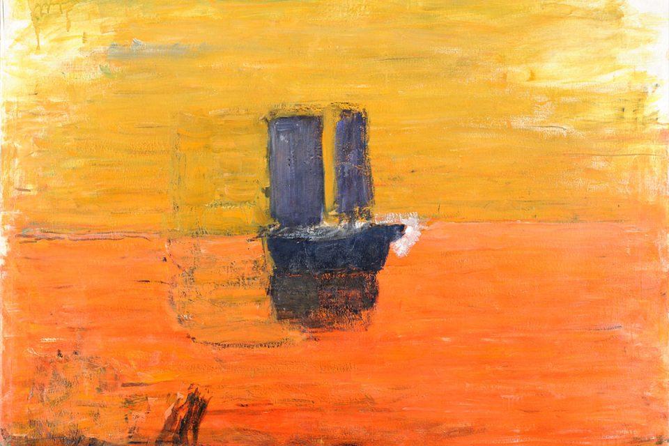 Oljemålning av blått skepp i enkel utformning,. Centrerad horisont delar av gul himmel och vatten i orange.