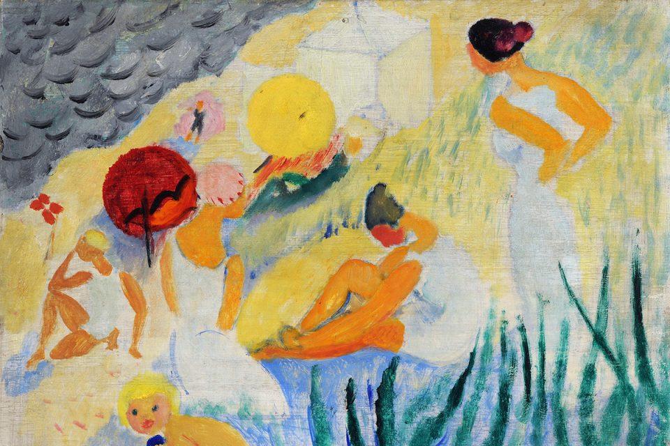 Oljemålning i klara färger och enkla former som föreställer människor på en strand i vita badkläder.